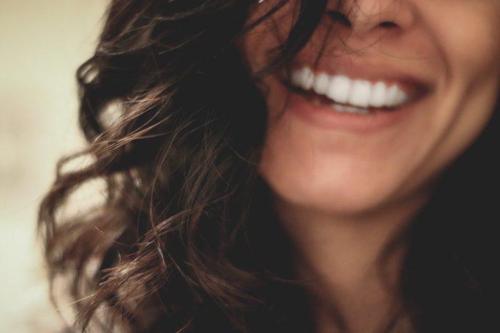【実体験】効果のある歯のホワイトニング方法【自宅で簡単】