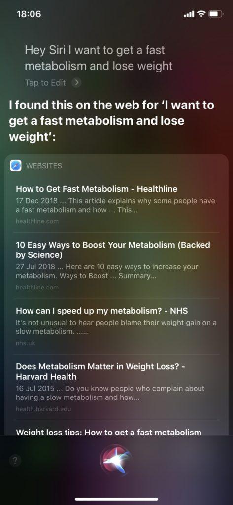Siriの回答は「I found this on the web for...」(それについてこちらをウェブ上に見つけました)とおしえてくれます。あまり辻褄が合いませんが、今回の回答はこれでOKです。