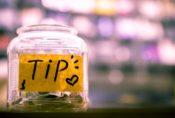 チップを払う文化【毎日ネイティブ英語フレーズ集♡例文と発音 225】tipping culture