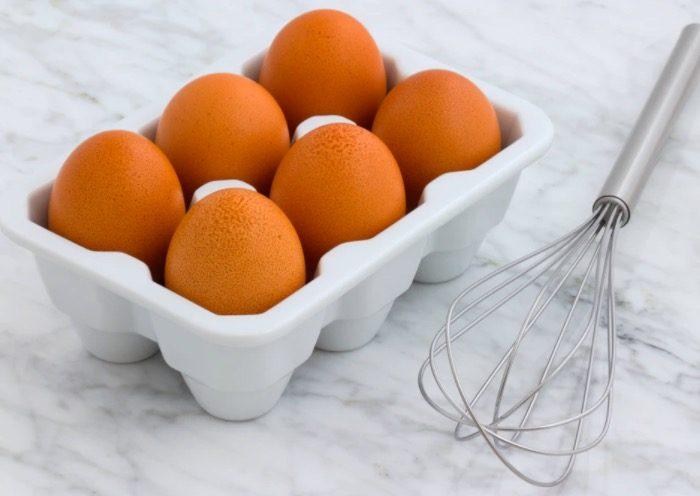 卵をかき混ぜる・溶く【毎日ネイティブ英語フレーズ集♡例文と発音 227】beat the egg